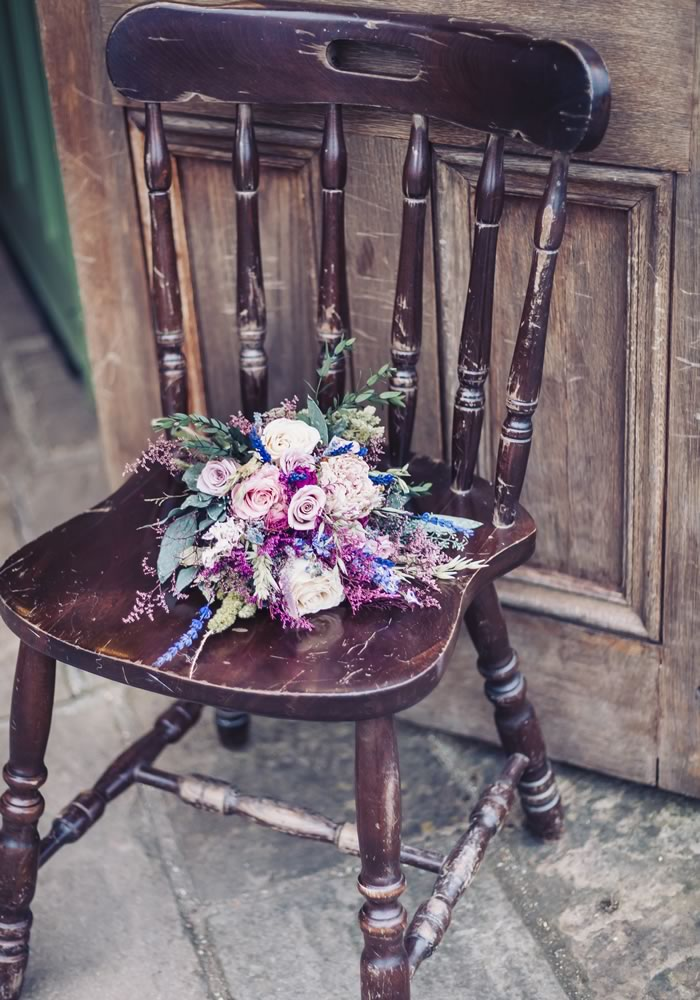 From a broken down wedding car to rain, this whimsical barn wedding had its share of challenges, and yet, it was absolutely beautiful. Check it out...