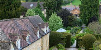 Minimoons make the perfect post-wedding getaway to celebrate as newlyweds with ease, and we've found the best Cotswolds minimoon around