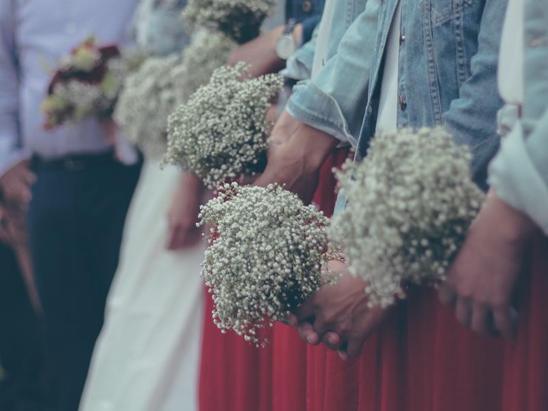 Dream White Winter Wedding? Resort To The Alps!