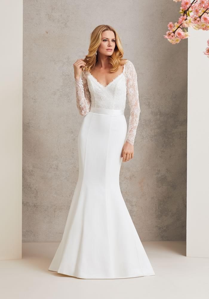 Meghan Markle Wedding Dress HINTS! images 5