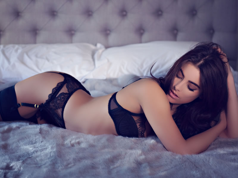 Everything You'll Need To Know About Wedding Boudoir Photography