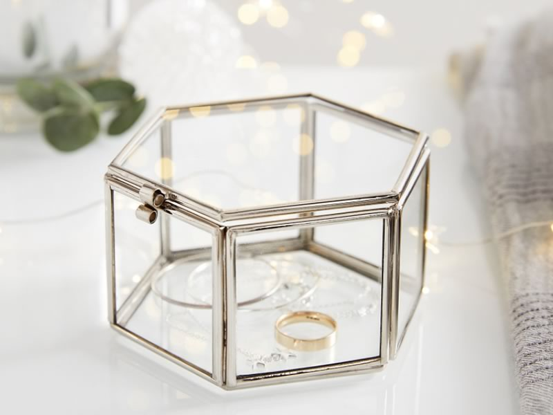 His and hers gifts: Hexagonal Trinket Box