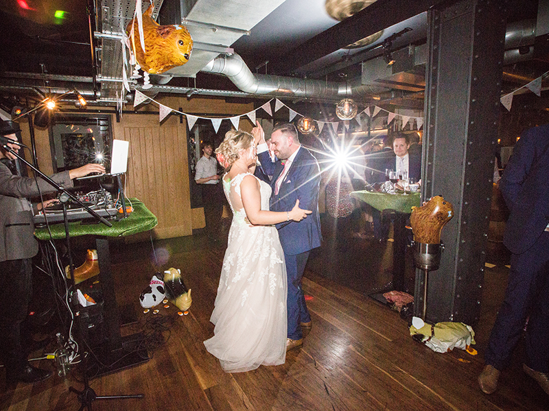 This London wedding brings together the best of the couple's cultures in a contemporary, city centre wedding at Gordon Ramsay's Heddon Street Kitchen!
