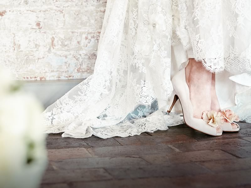 Wedding Shoes: Bridal Heels V Bridal Flats?!