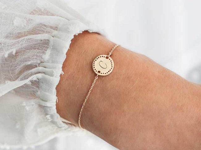 personalised bridesmaid gifts disc charm bracelet