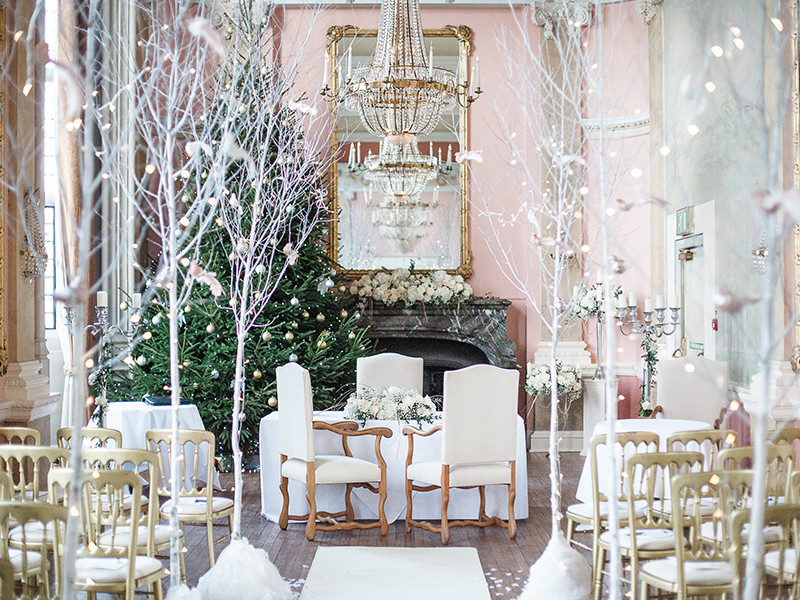 white snow theme ceremony 10 Reasons why you Should opt for a Winter Wedding