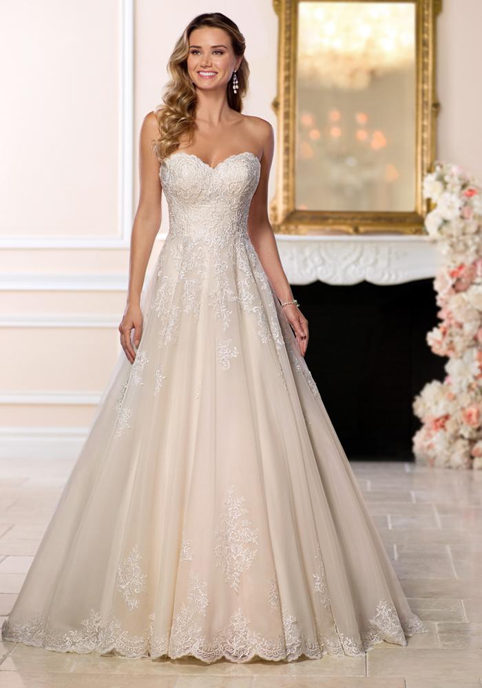 sweetheart neckline 12 Days of Wedding Planning: Your Dream Dress
