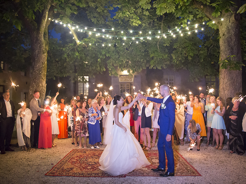 Planning your own summer wedding abroad? Jessica and Lawrence's French chateau wedding will give you tons of romantic inspiration...