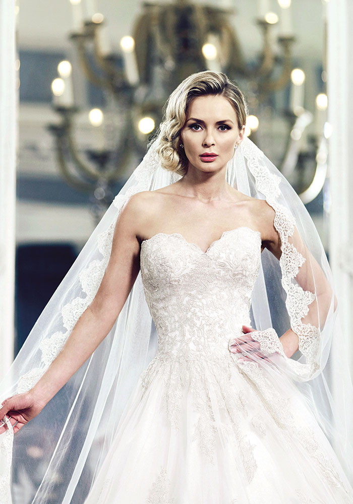 ianstuart-bride.com Santa_Maria_dress-only