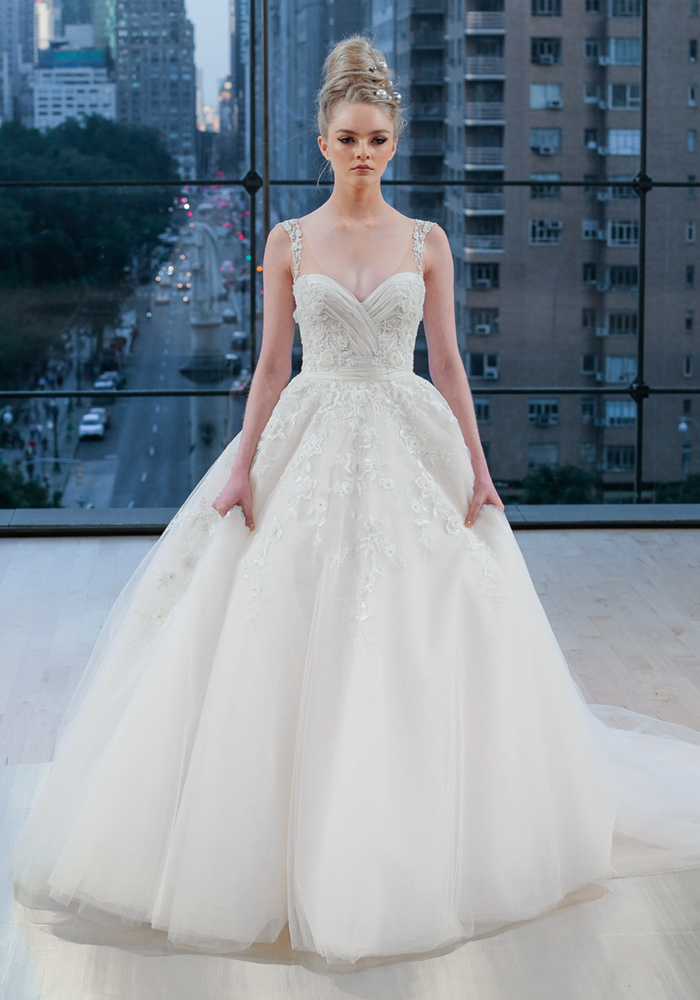 Ultimate Dress Gallery 2018: 100 Wedding Dress Styles