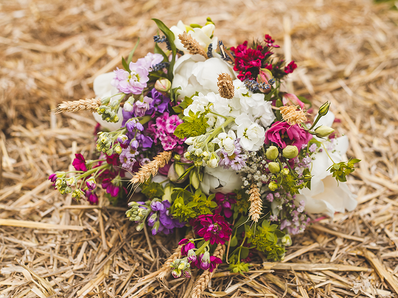 Pantone Colour of the Year for 2018, Ultra Violet is set to be the next big trend. Here's how you can create a pretty purple Ultra Violet wedding...