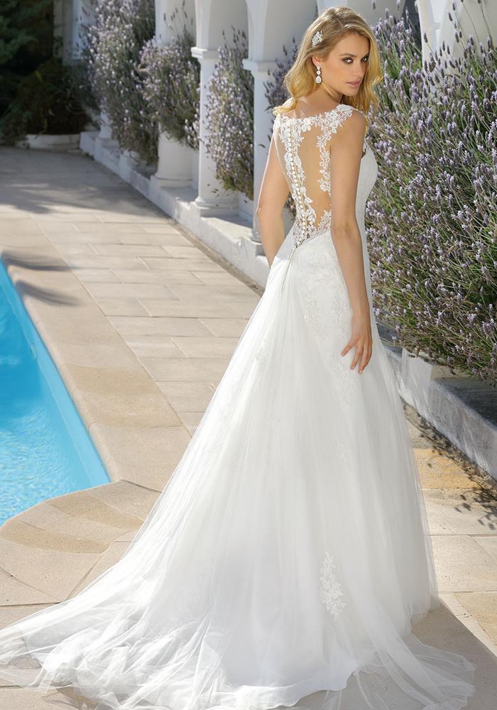 Ladybird Bridal: Timeless Wedding Dresses • Wedding Ideas magazine