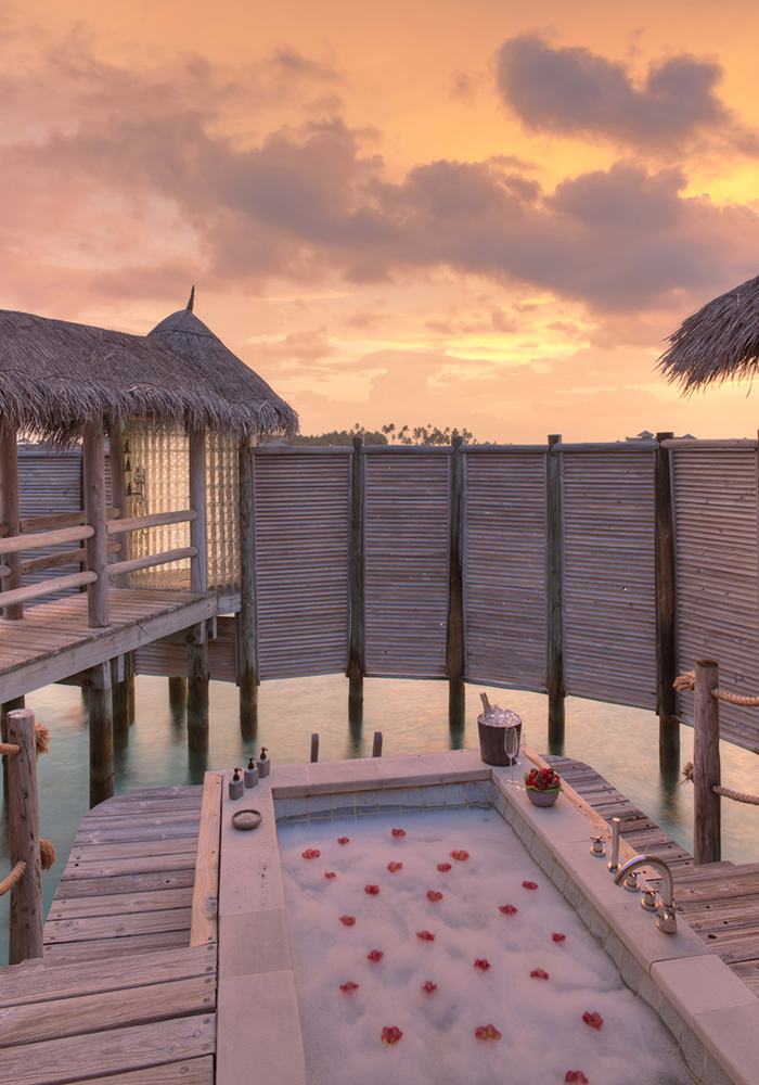 Gilli Private Hot Tub - 25 World-Beating Honeymoon Rooms With A View!