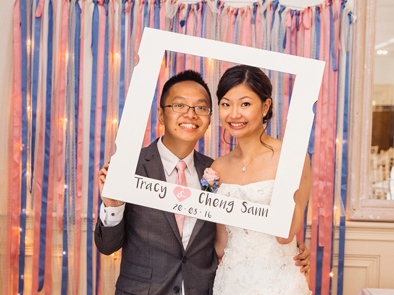 This navy and pink wedding was filled with personalised details and fun touches, including a DIY photobooth, cupcake tower and a delicious hog roast!