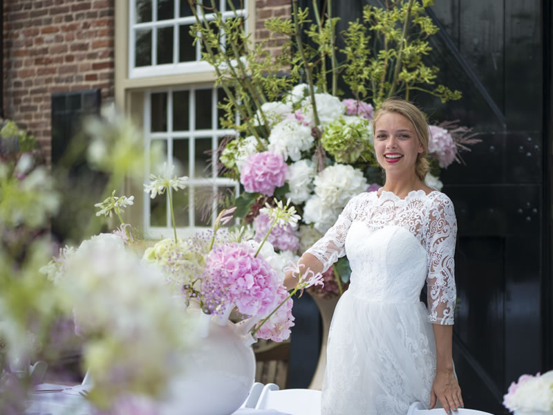 How to be budget-savvy with your wedding flowers