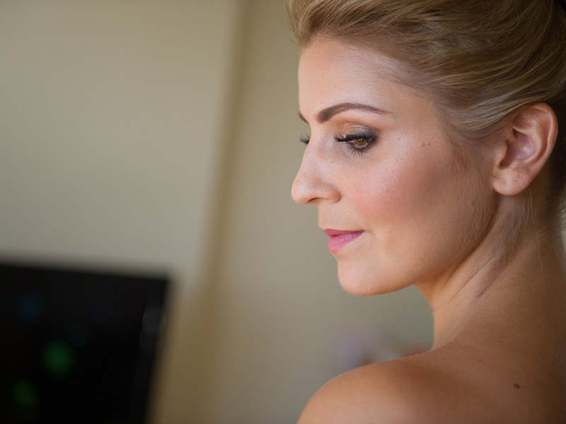 Sasha Pallari shares her advice (as both MUA and bride-to-be) on choosing the bridal makeup artist for you, plus find out the best bridal beauty products