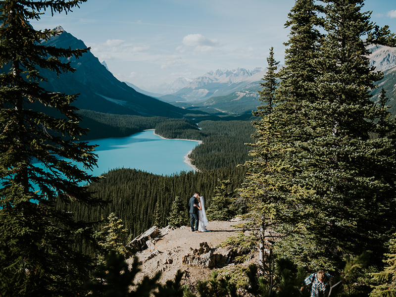 25 Wedding Photos That Made Us Go 'WOW' In 2017