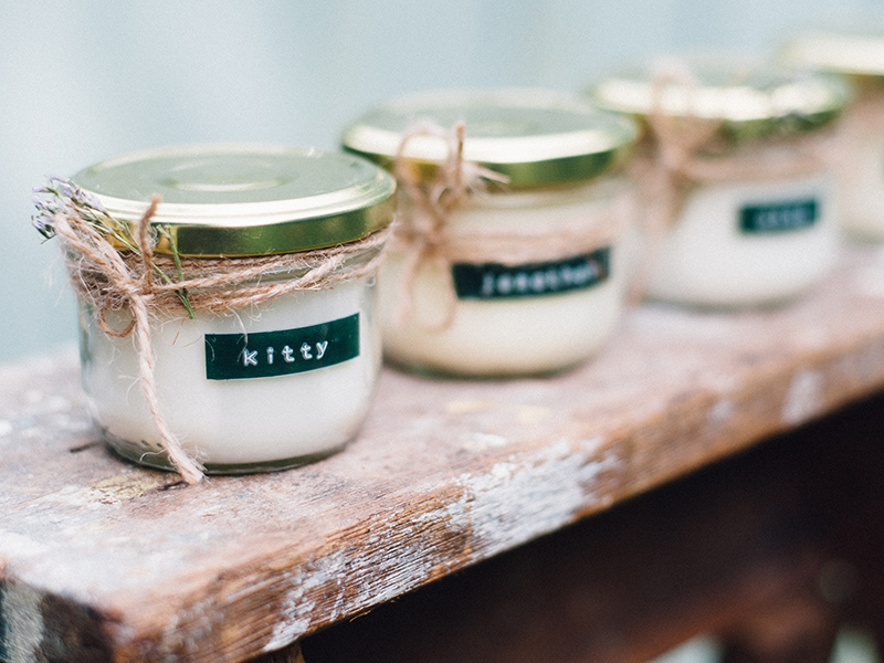 By Laura_scented candle favours_Kitty Wheeler Shaw Photography