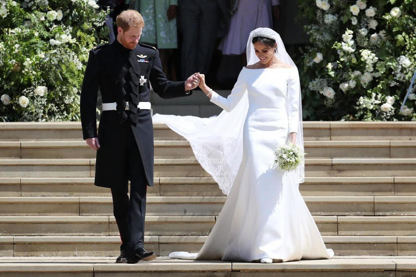 Meghan Markle wedding dress revealed: Prince Harry's bride wears bespoke Givenchy gown