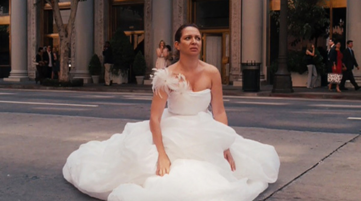 Here's how to go to the toilet when you're wearing a wedding dress
