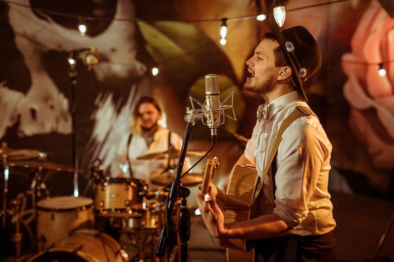 Why you should hire a live wedding band for your big day