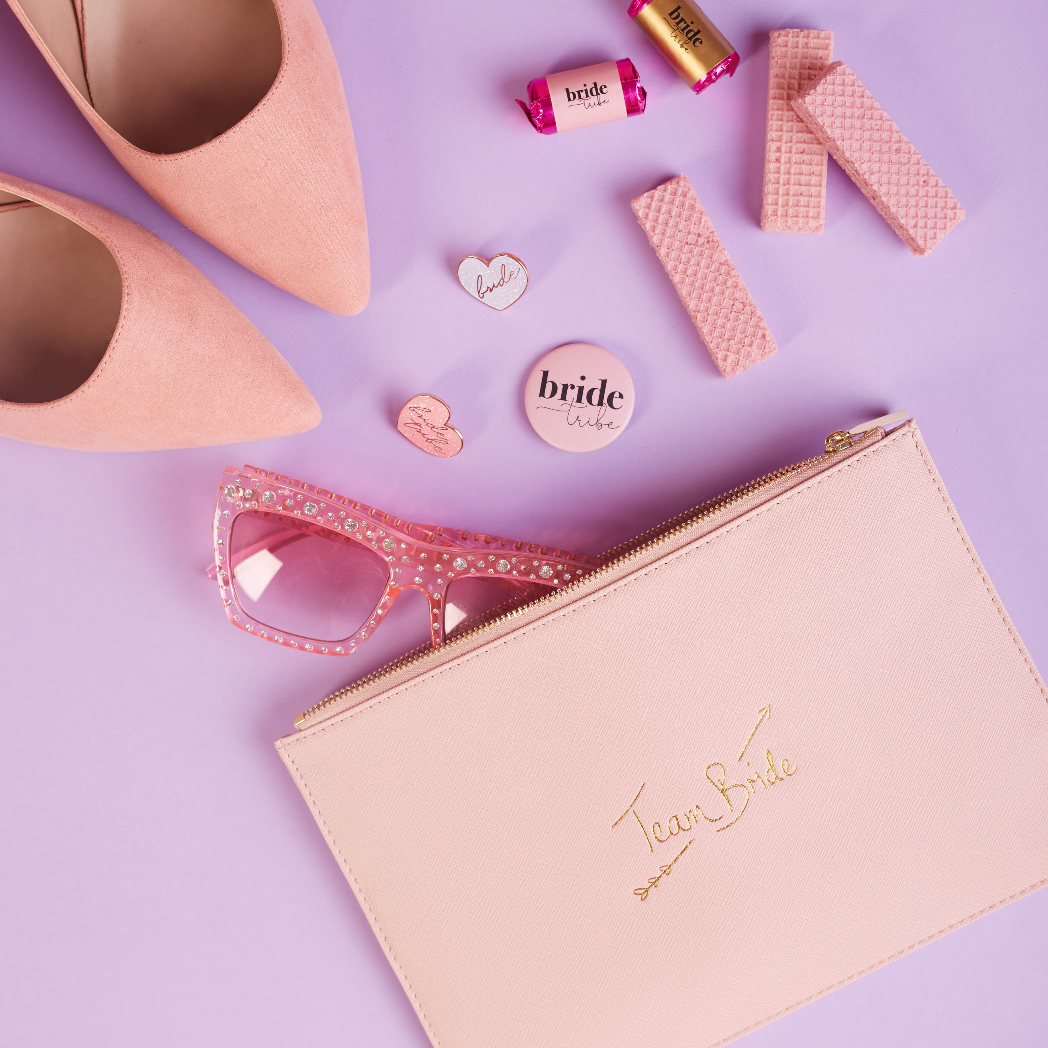 Style up your wedding celebrations with these gorgeous bridal clutch bags