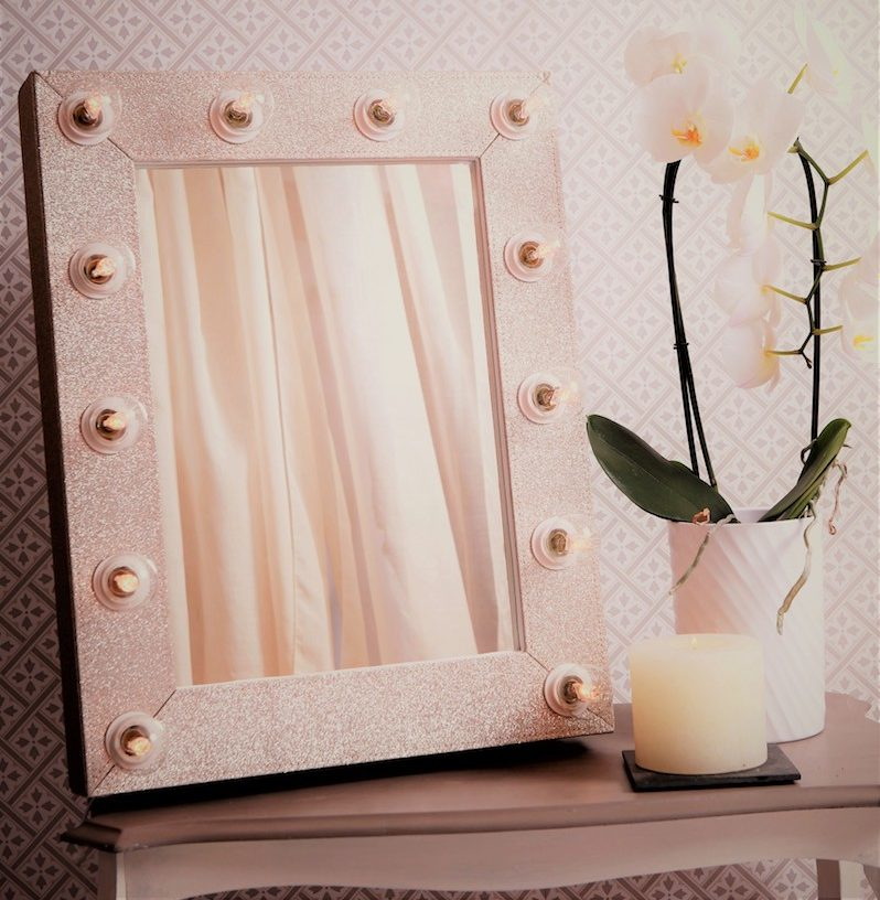 Rose gold Hollywood mirror with lights