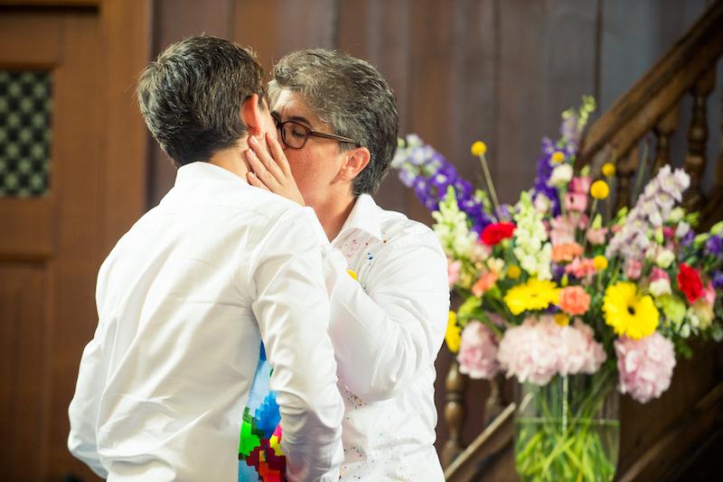 lesbian-wedding-kiss
