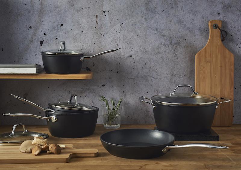 viners forged aluminium pan set