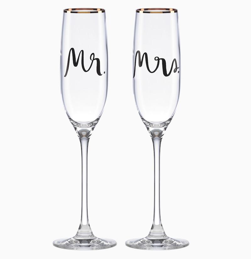 Mr & Mrs champagne flutes