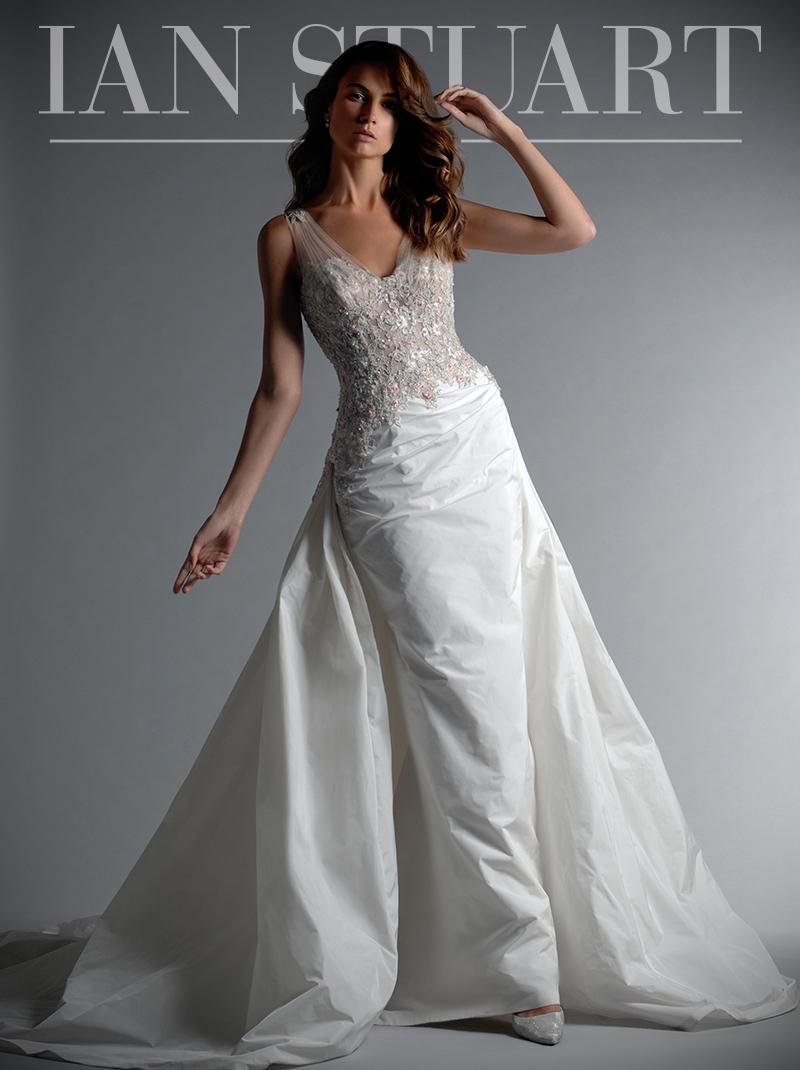 SriLanka dress Ian Stuart