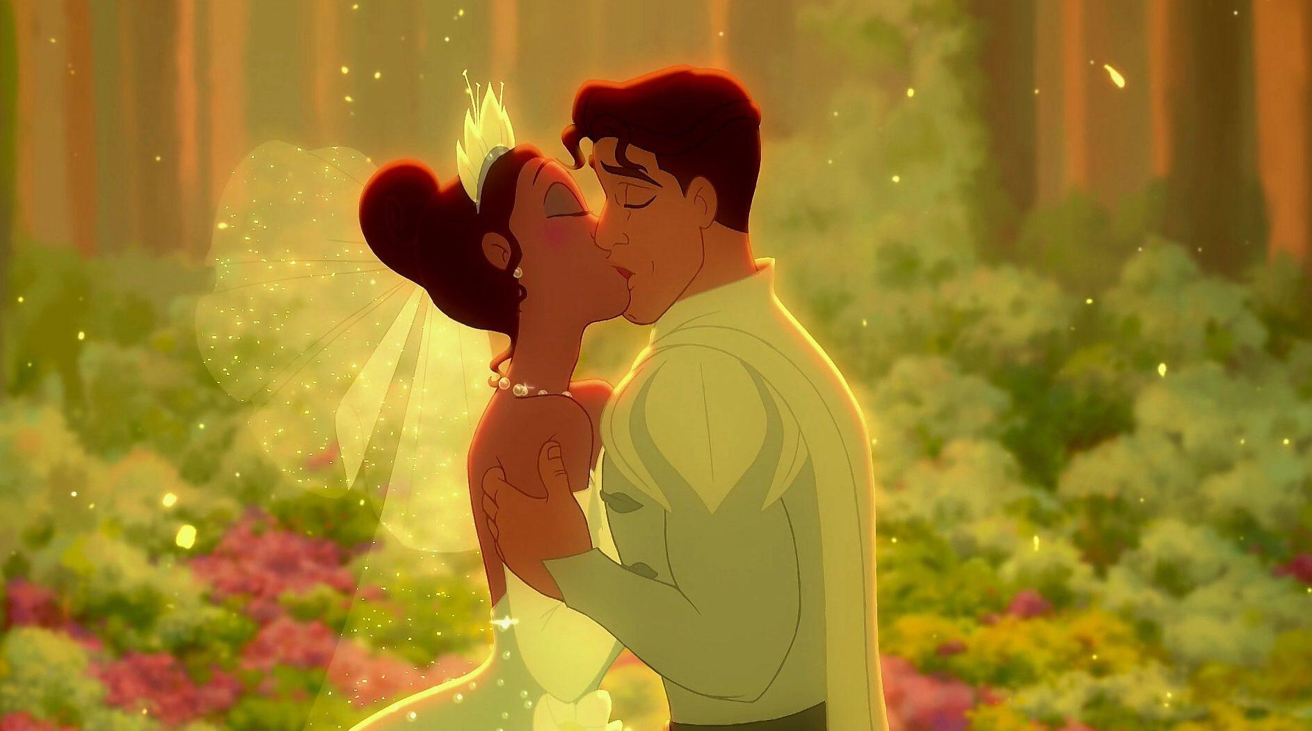 princess and the frog kiss wedding disney
