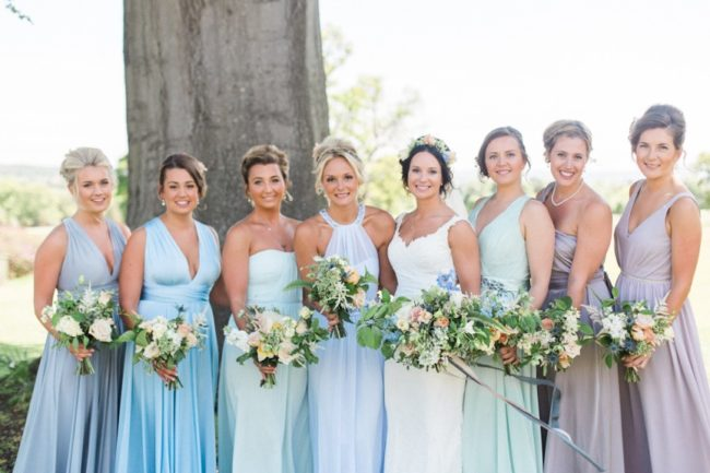 How to Choose the Right Dresses for Your Bridesmaids