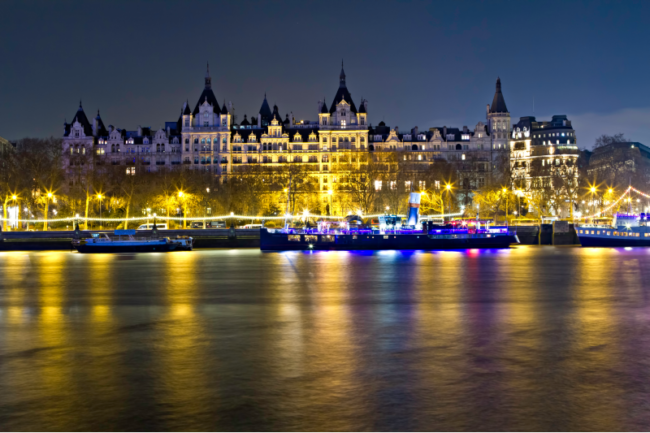 royal-horseguards-river-view-christmas-competitions