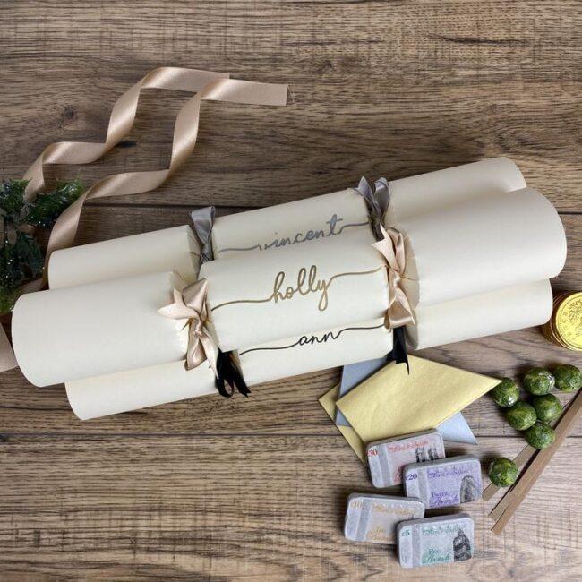 winter-wedding-trends-personalised-crackers-bespoke-co