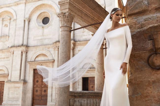 Bride model