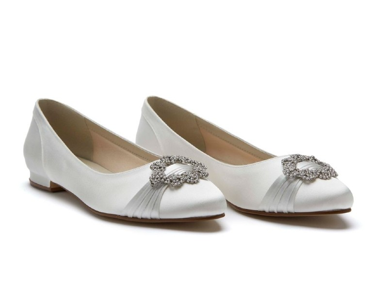 flat-wedding-shoes-rainbow_club_duclcie_ivory_satin_pair
