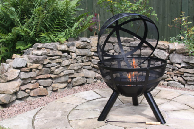 Win an ISON Ball Fire Pit for Your Garden Worth £130 chimineashop.co.uk