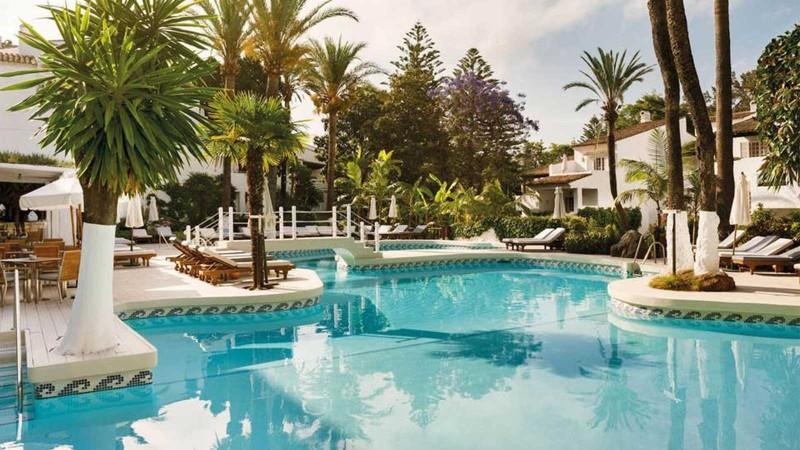 marbella-puente-romano-pool