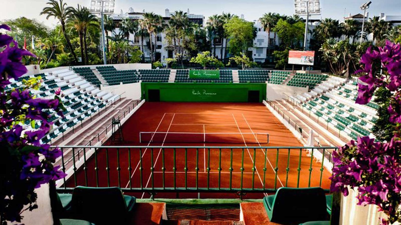 tennis-courts-puente-romano-resort-marbella
