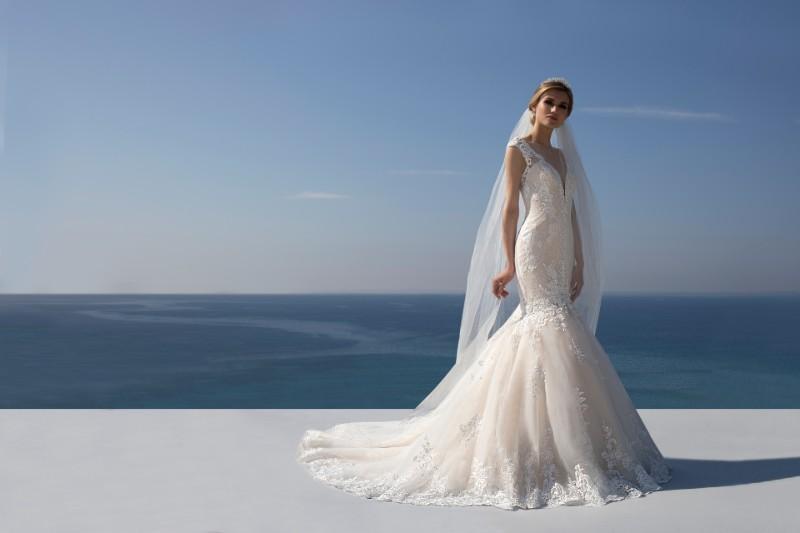stunning-bridal-wedding-dress-alterations