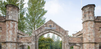 Gatehouse at Lakes Edge at Pudleston Court