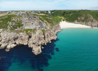 cornwall-uk-honeymoon-destination